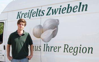 """""""Bachlor of Science"""" Hubertur Kreifelts: ein Familienmitglied (Foto: © Kreifelts Zwiebeln)"""