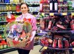 Wir stellen vor: Frau Lehmann von der Feinkost-Abteilung im Hülser Markt. (Foto: © EDEKA Kempken)