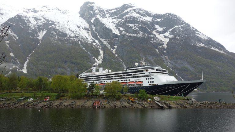 Das Kreuzfahrtschiff MS Albatros im wunderschönen Norwegen (Foto: © pixabay.de)