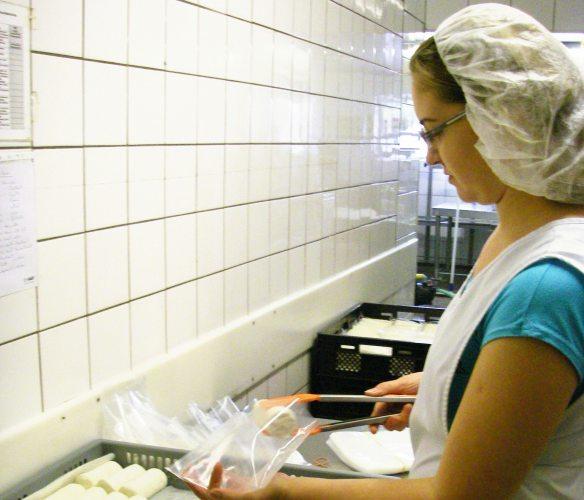 Ziegenkäserei Produktion (Foto: © Ziegenkäserei Sondermann)
