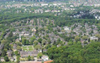 Essen-Margarethenhöhe, Luftaufnahme von Südosten (Foto: © Wiki05)