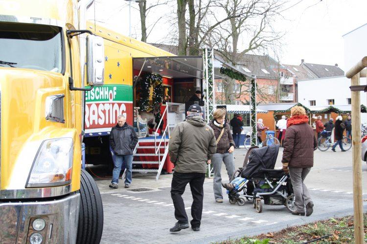 Der Rasting Showtruck zur Weihnachtszeit. (Foto: © EDEKA Kempken)