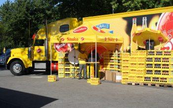 Sinalco Truck mit einem Glücksrad (Foto: © EDEKA Kempken)