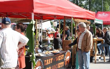 Ca. 2000 Besucher erfreuten sich am tollen Angebot rund um die NRW-Grillmeisterschaft. (Foto: © EDEKA Kempken)