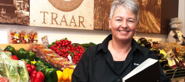 Frau Schneider - Marktleiterin Edeka Kempken Traar. (Foto: © EDEKA Kempken)