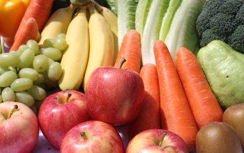 Obst und Gemüse sind insbesondere im Frühlung und Sommer beliebte Erfrischungen (Foto: © pixabay.de)