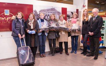 Die Gewinner zusamenn mir Sabine Kempken und Kurt Görtz (Wein Agentur Görtz) (Foto: © EDEKA Kempken)