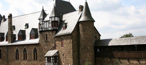 """""""Schloss Burg - Innenhof"""" (Foto: Frank Vincent)"""