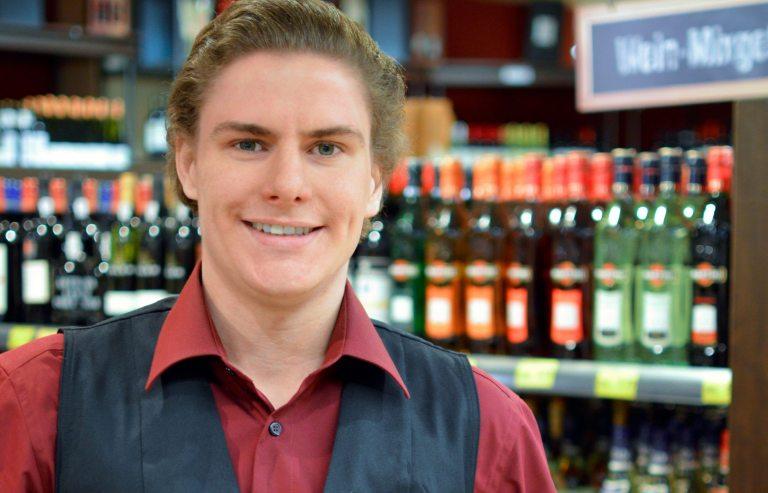 Weinberater Eric Mellenthin. (Foto: © EDEKA Kempken)