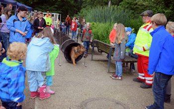 Rettungshundestaffel im Zoo Krefeld (Quelle: Zoo Krefeld/V. Gorissen)