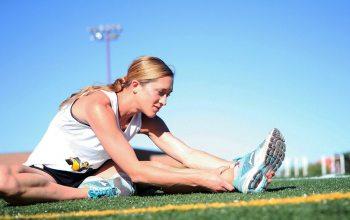 Sport ist gut für die Gesundheit, nach jedem Sport dehnen Edeka Kempken