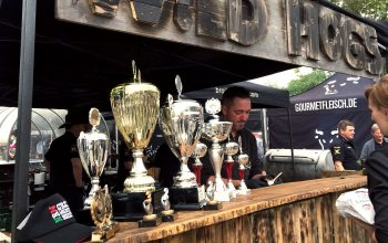 """Das Team """"Wild West BBQ"""" setzte sich knapp gegen die starke Konkurrenz durch. (© Holz Roeren)"""